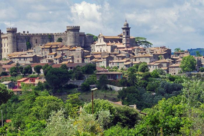 La campagne romaine et le lac de Bracciano